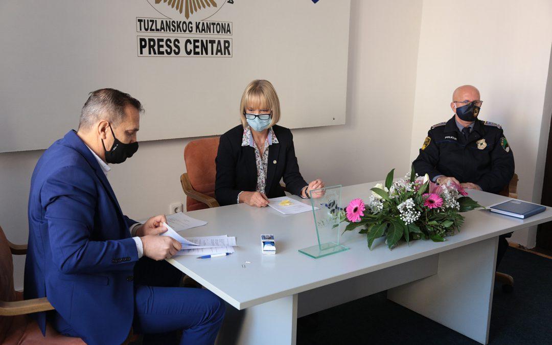 Vive Žene potpisale ugovor/sporazum o saradnji sa  MUP-om TK i RTVTK